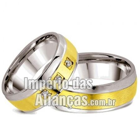 Alianças de noivado e casamento em ouro e prata