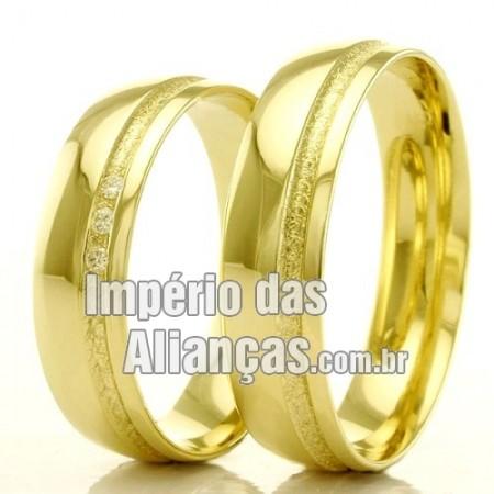 Alianças em ouro para casamento.